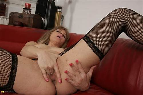 Sloppy Dutch Housewife Playing With Herself #Mature