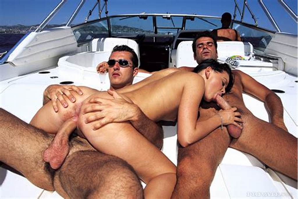 #Threesome #At #The #Sea