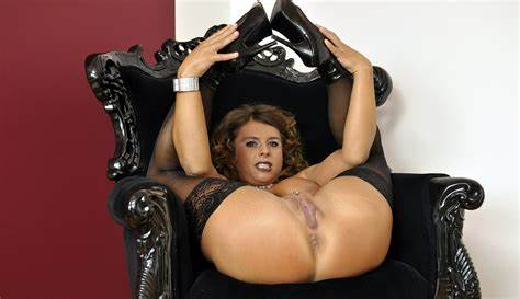 Curvy Brunettes Fun On Chair