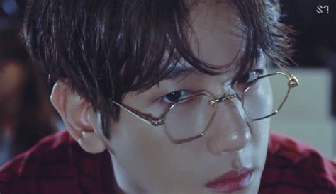 EXO's Baekhyun Wore Extremely Unusual Glasses And Fans Can