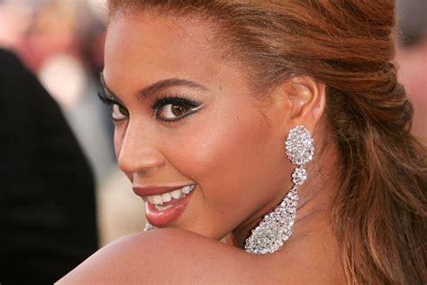 Beyoncé's Brow Secret Is 1 Common School Supply