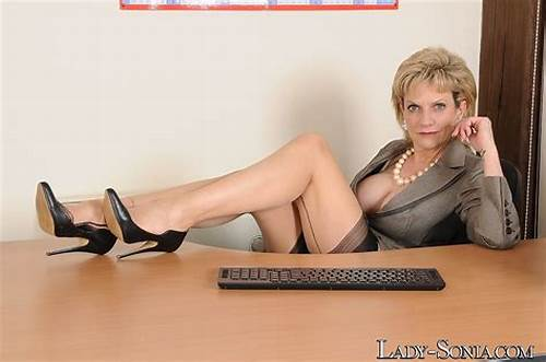 Secretary Is Playful And Masturbates In Pantyhose Moms Galleries