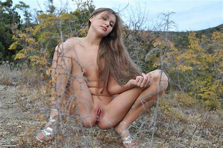 Young Peeing Nude Teens