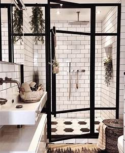 Fully, Enclosed, Modern, Glass, Shower, With, Greenery