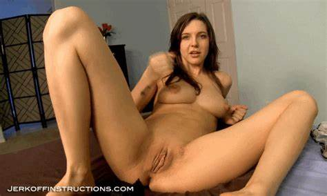 Strong Titted Housewife Jerk Off Alone