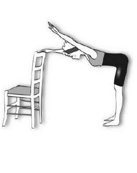 femme au bureau 5 exercices pour muscler dos avec une chaise sport sons and search