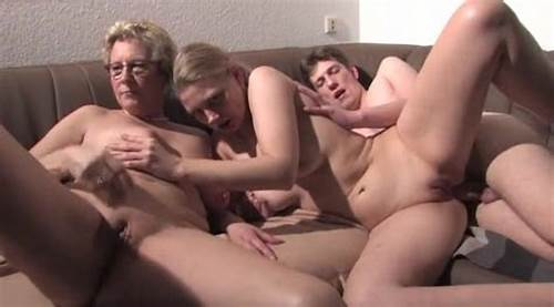 Mother And Friends Have A Private Porn Couple In Hotel