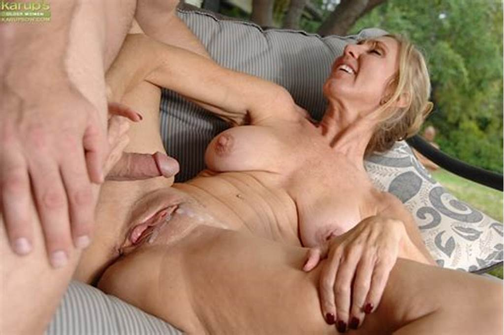 #Busty #Mature #Slut #Gives #Head #And #Gets #Fucked #For #Cum #On
