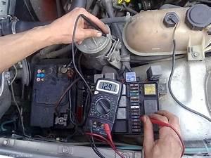 Comment Changer Une Batterie De Voiture : comment tester une batterie de voiture comment tester la batterie d 39 une voiture comment ~ Medecine-chirurgie-esthetiques.com Avis de Voitures