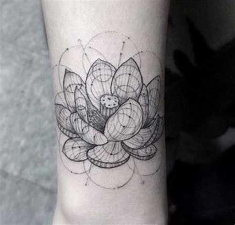 20 lieliski ģeometriskie tetovējumu modeļi, lai jūs padarītu ievērojamus - Tetovējums