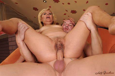 Lady Naked Mature Couple Toys