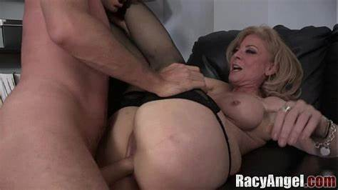 Junior Nina Hartley Pounded An Interracial Pussy