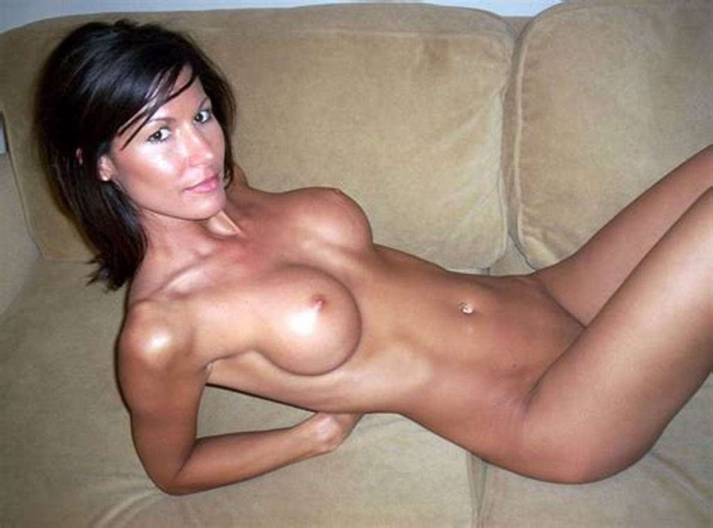 #Fit #Milf #On #The #Couch #Porn #Photo
