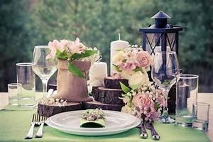Tischdeko Für Hochzeit : baumscheiben f r die tischdeko bei der hochzeit hier findet ihr sie liebe zur hochzeit ~ Eleganceandgraceweddings.com Haus und Dekorationen
