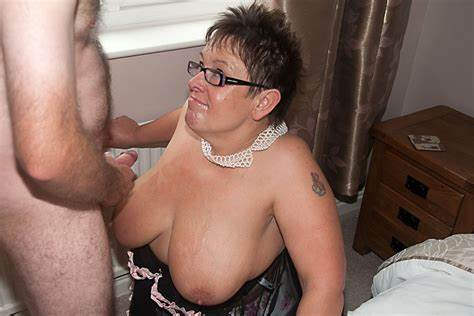 Poor Aunty Dirty Stepmother Giving Fantastic Head