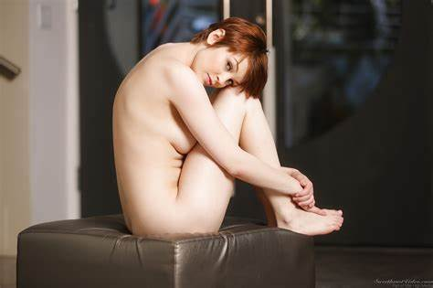 Redhead Kinky Short Hair Tattooed Pornstar
