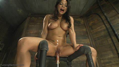 Gorgeous Brunette Penetration Self With Mechanical Dildos Dildos Machine Creamy