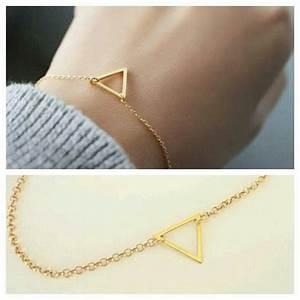 Idée Cadeau Femme Pas Cher : id e cadeau femme bracelet triangle bijoux fantaisie ~ Dallasstarsshop.com Idées de Décoration