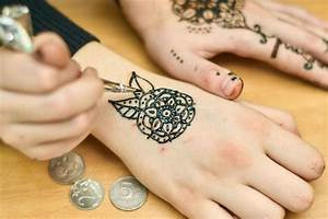 Henna Farbe Selber Machen : 1001 ideen wie sie ein henna tattoo selber machen tattoos pinterest ~ Frokenaadalensverden.com Haus und Dekorationen