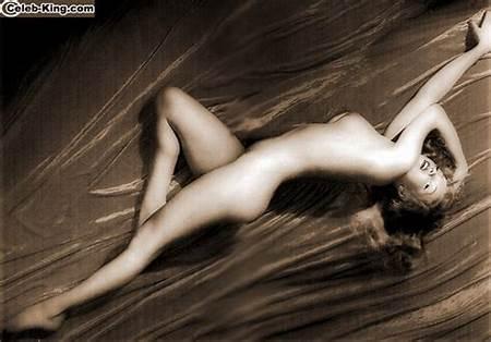 Teen Marilyn Free Nude