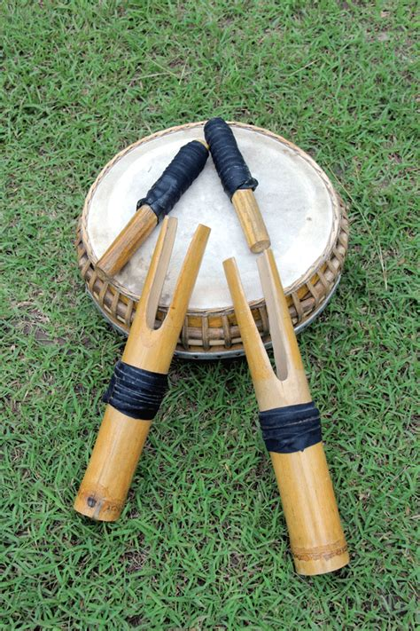 Sudah pernah tau apa itu musik sudah pernah tau apa itu musik ansambel ? Budaya Gorontalo - THE COLOUR OF INDONESIA