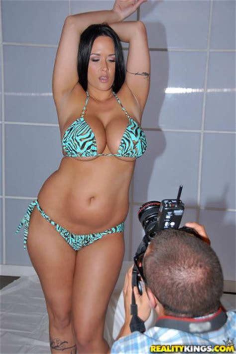 foto de Carmella bing weight Carmella Bing videos (80) and profile