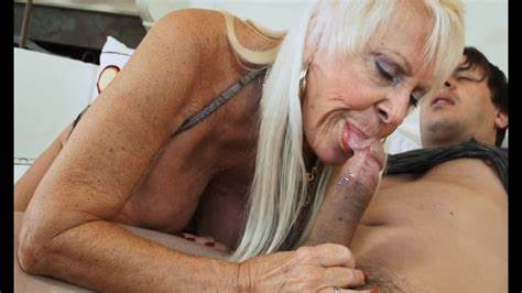 Whore Gives Blow Job For The Tastes Time