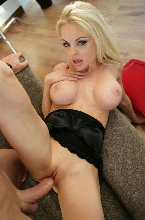 <a href='http://porn-s-t-a-r.blogspot.com/2012/07/jesse-jane.html'' target='_blank'> Jesse Jane | Porn Star</a>