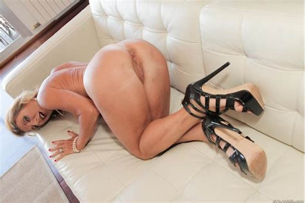 #Blonde #Milf'S #Fuck #Of #A #Lifetime