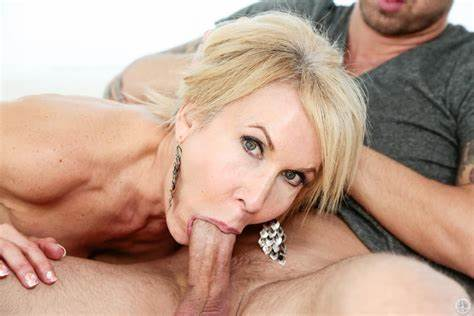 Ladies Blondes Fellatio Mothers The Lustful Tongue Of Erica Lauren Are Bringing Innocent