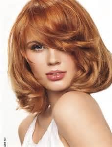model de coupe de cheveux coupe de cheveux femme visage ovale cheveux mi roux
