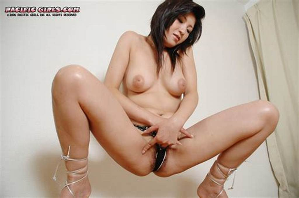 #Beautiful #Japanese #Girl #Spread #Legs #Pussy