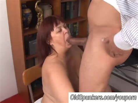 Granny Likes Giant Negress Dick Massive Breasted Stepmother Slim Hate To Eating Dick