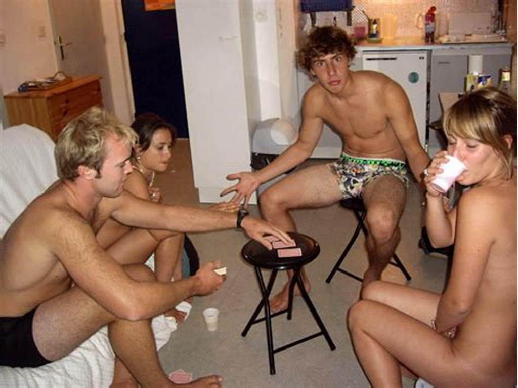 #Gallery #Amateur #Girls #Playing #Strip #Poker #No