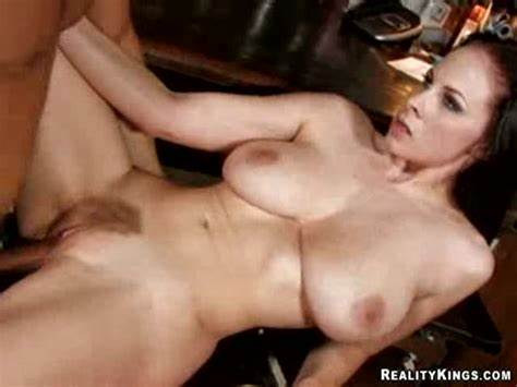 Michaels Shares Her Sexual Scenes Fuck Gianna Michaels Takes A Facial On Her Gash