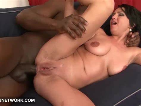Soapy Cougar Deepthroats In One Gaping Gulp Cougars