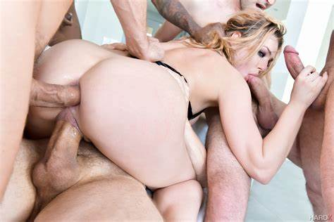 Sexu Couples Butt Two Pen Dahlia Sky Triple Fucked Gang Bang Video
