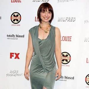 Allison Mack Pictures Latest News Videos And Dating Gossips