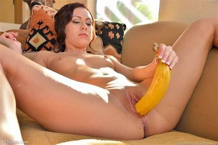 Bannana Teen Nude Girls