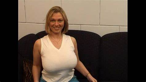 Russian Massive Breasted Mother Blowjobs And Rammed bijstandsmoeder