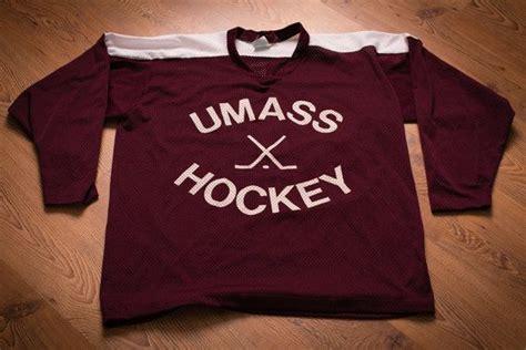 Последние твиты от umass hockey (@umasshockey). UMASS Hockey Mesh Jersey, University of Massachusetts ...