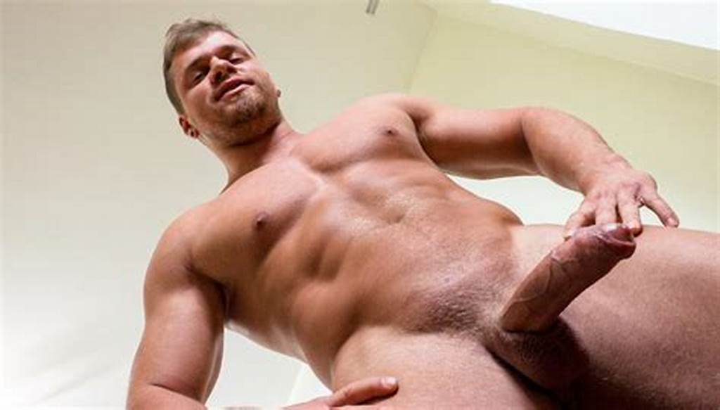 #Twink #Tank #Scott #Cage #& #Ian #Ticing'S #Swim #Team #Shower #Fuck
