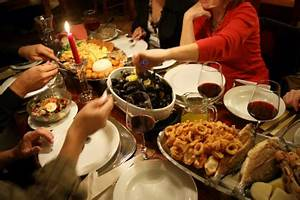 How to host a dinner party Throwing a dinner party