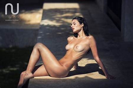 Teen Isabelle Nude