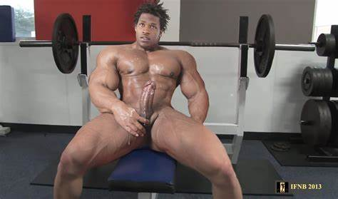 Muscle Brunette Like Huge Cock And Dildo
