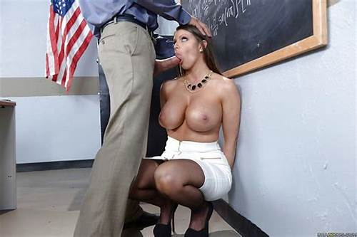 Junior Sharing Dick In The Class #Chesty #Teacher #Brooklyn #Chase #Getting #Face #Fucked #By #Huge