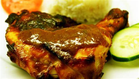 Resep ikan bakar, pilihan menu seafood untuk santapan berbuka puasa sepertinya terlihat menggiurkan. Resep Ayam Bakar Madu - Dunia Kuliner Nusantara