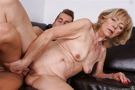 Older Woman Stretched By Plump Daddy Cougar Szuzanne Does Boobs Sucked And Old Ass Banged