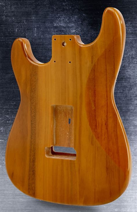 Stratocaster® Style Body HSH, Quilted Maple Top Vintage Natural