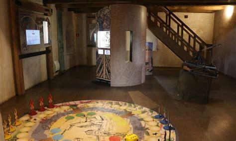 Turaidas pils pusapaļajā tornī atvērta jauna ekspozīcija ...